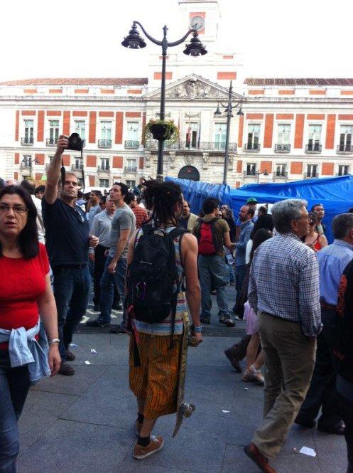 Very typical erudito ideólogo en la Puerta del Sol