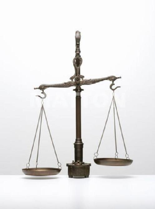 BALANZA-JUSTICIA DESCOMPENSADA