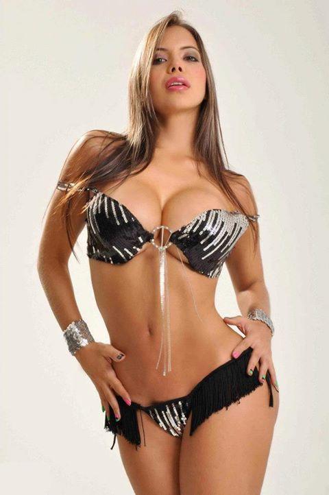 chica muy guapa desnuda: