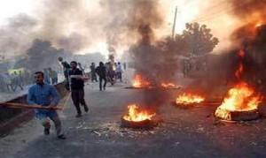 Los hindúes son otra meta. En Bangladesh, en marzo de 2013, los musulmanes masacrados niños hindúes e incendiaron al menos 700 casas y 47 templos hindúes.