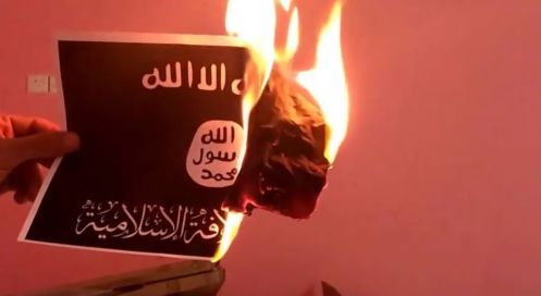 bandera-estado-islamico-quemada