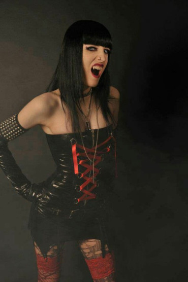 vampires-and-other-nightlife-13