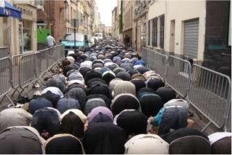 En las calles de París.