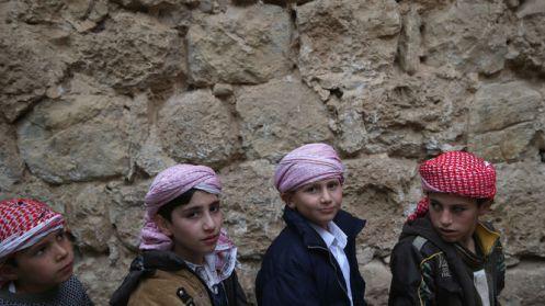 Cientos-ninos-yazidies-encuentran-Islamico_912520472_104044730_667x375
