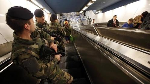 metro-marsella-guardias--620x349.jpg