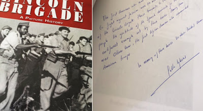 Libro que Iglesias regala a Obama y carta manuscrita que acompaña
