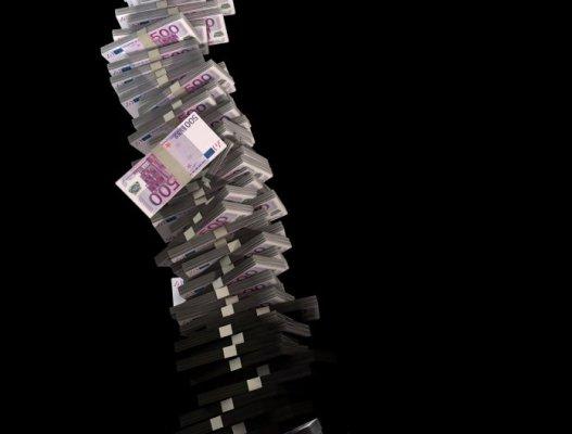 tower-of-500-euro-money