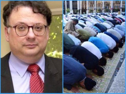 montaje-del-periodista-cc3a9sar-vidal-y-un-grupo-de-musulmanes-rezando-en-la-mc3a9zquita-696x522